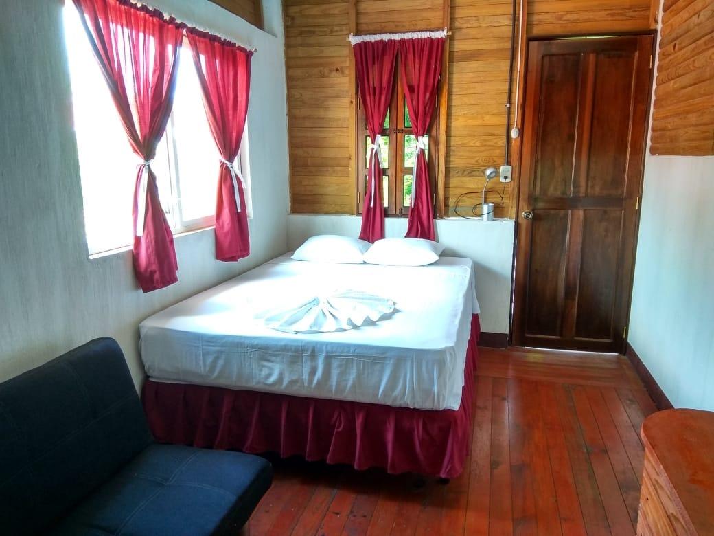 hotel la cabaña del viajero izabal guatemala (24)